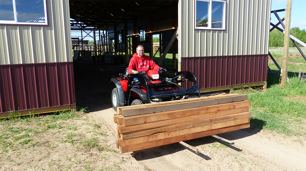 Hydraulic-ATV-Pallet-Forks-Attachment-1 ...